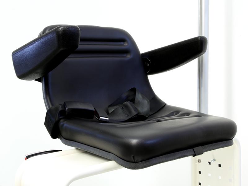 Sitz mit Armlehnen & Gurt